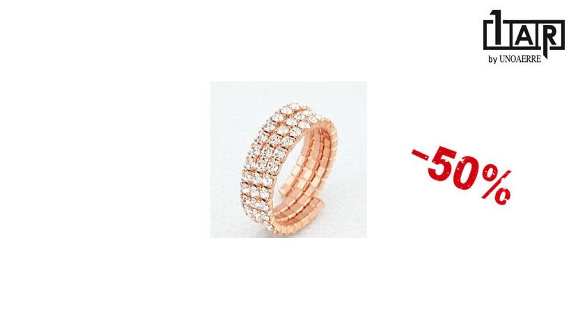 L'anello Unoaerre Luxury Wedding è realizzato in ottone e zirconi. Disponibile online in offerta al 50% di sconto