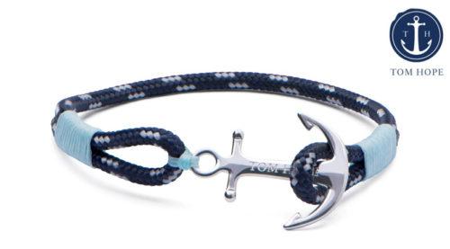 Il bracciale Tom Hope Ice Blue è un compagno discreto ma bellissimo, con un'ancora realizzata argento puro. Prodotto fatto a mano