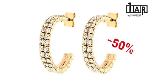 Gli orecchini Unoaerre Luxury Wedding a cerchio sono realizzati in ottone giallo e zirconi.