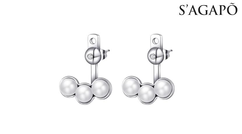Orecchini Marilyn S'Agapò SMY21 in acciaio 316L con perle e cristalli bianchi. Ideale come regalo per le ragazze alla moda