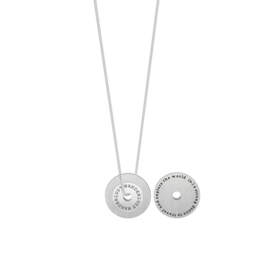 Collana donna Kidult 751131 Wanderlust realizzata in acciaio 316L anallergico con charm pendente rotondo, modello lungo da 80 cm. Assoluta novità Kidult 2020.