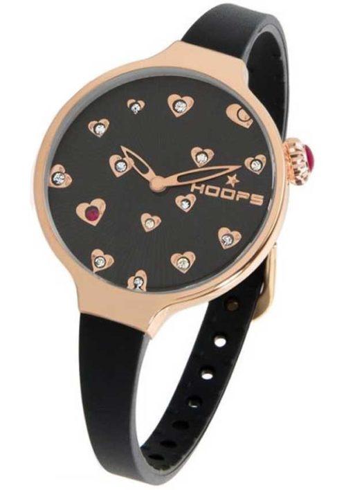 Orologio Hoops solo tempo donna 2562LLR01 della collezione Icon Sv. Questo modello presenta la cassa di dimensione 30 mm in acciaio rosè pvd con quadrante nero e cuori zirconati applicati. Il cinturino nero in gomma. Resistente all'acqua.