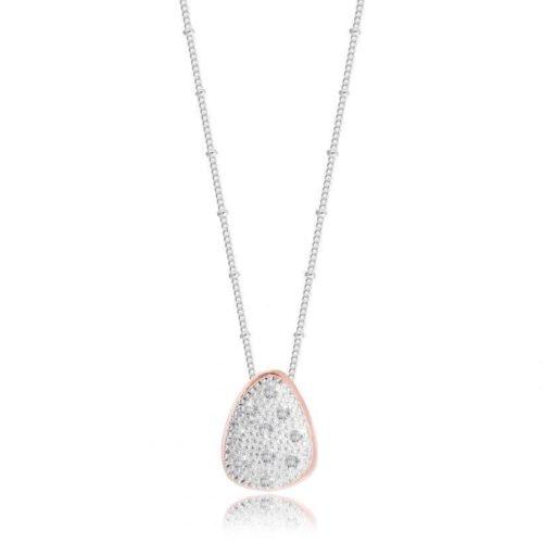 """Collana donna Joma 2765. Collana della collezione """"pretty pebbles"""" con ciondolo in ottone placcato argentato e rosato impreziosito da zirconi bianchi. Lunghezza 46 cm."""