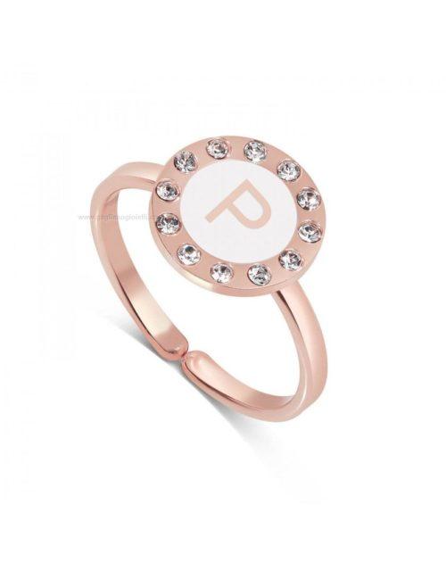 Anello donna Dvccio ZXAMICRO-P. Anello donna collezione petit trésors, in ottone rosato con zirconi, lettera P su smalto bianco