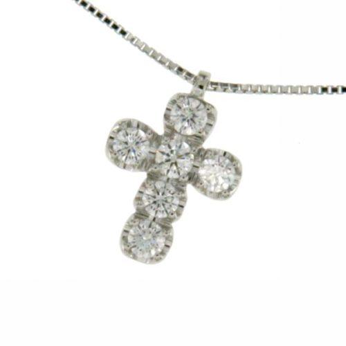 Collana Croce Diamanti Donna Mirco Visconti GB082/20. Collana realizzata in oro 18KT con catenina veneziana e pendente a forma di croce con pavè di diamanti . Questo gioiello presenta diamanti di ct 0.52 col F VS.