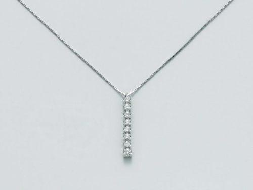 Collana Yukiko Donna Premium Diamanti CLD4030Y-G7collezione diamonds limited edition in oro 750/1000, nr 7 diamanti pt.tot 14 col.g selezionato, taglio brillante rotondo nr 1 diamanti pt.tot 4, col.g selezionato, taglio brillante rotondo, catenina veneziana bianca.