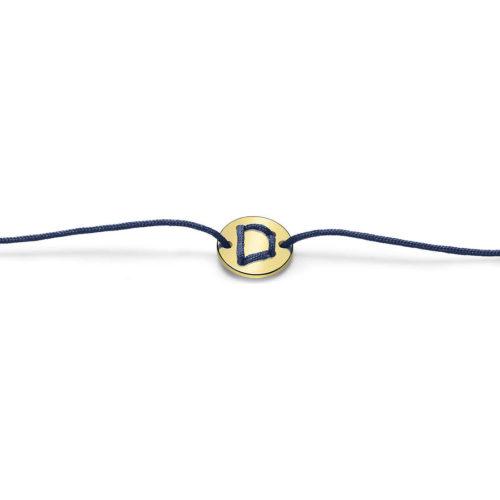 Bracciale Unisex Feelo FLJ004 , by Breil, con lettera D , realizzato in cordino colorato blu e targhetta in argento 925 color oro. La lettera D di DESTINO