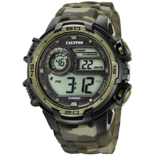 Orologio Calypso Digitale Uomo K5723/6 della collezione Digital for man . Questo modello è realizzato con cassa in plastica di dimensione 51,5 mm . Display digitale e cinturino in gomma verde militare . La resistenza all' acqua di questo orologio è di 10 atm e il suo movimento è M1090.