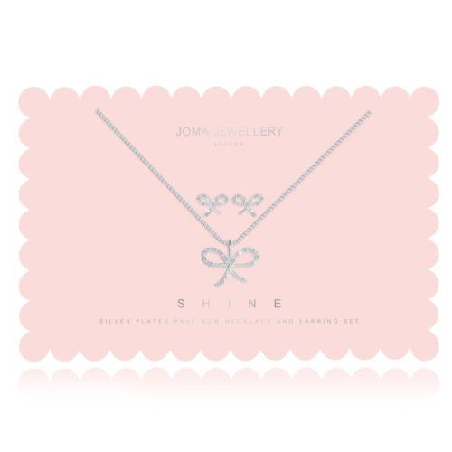 Collana donna Joma 2756.Shine Sentiment Set composto da orecchini e collana in ottone placcato in argento. Collana con charm ad arco impolverato con cristalli Pave e orecchini abbinati.