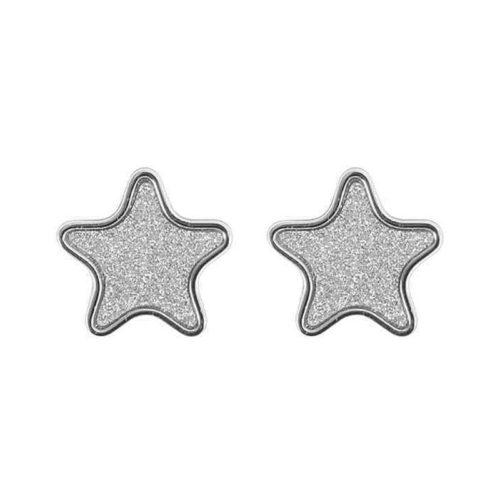 Orecchini Donna Mya Boccadamo GP-OR02 della collezione Boccadamo Mya. Orecchini realizzati in bronzo di colore silver a forma di stella glitterata. La chiusura di questo modello è a farfalla. Questo prodotto verrà spedito con scatola originale Mya Boccadamo.