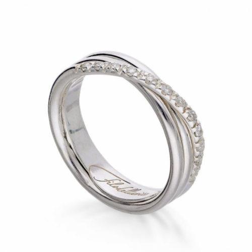 Anello Filodellavita AN8BBT. Anello della collezione Classic, 3 fili in oro 9kt e 12 diamanti bianchi 0.21ct