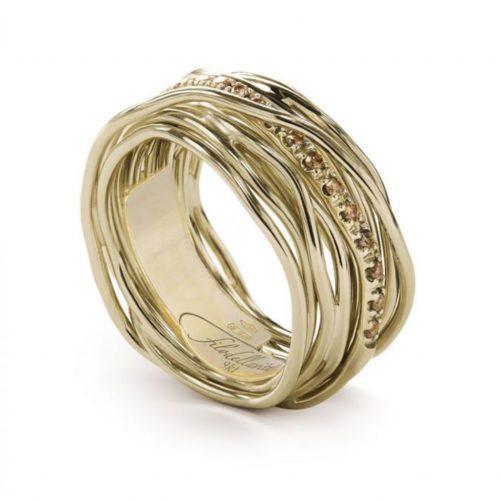 Anello Filodellavita AN13GBR. Anello della collezione Classic, 13 fili in oro giallo 9kt e 16 diamanti brown 0.18ct.