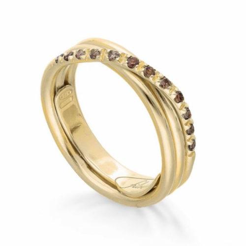 Anello Filodellavita AN8GBR. Anello della collezione Classic, 3 fili in oro giallo 9kt e 12 diamanti brown 0.21ct.