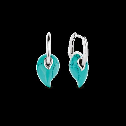 Orecchini Ti Sento 7791TQ. Questi orecchini in argento sterling rodiato con le loro pietre turchesi, danzano insieme a te quando ti muovi. Giocosi e frizzanti. Dimensioni gioiello: lunghezza 3 cm, larghezza 1,25 cm.