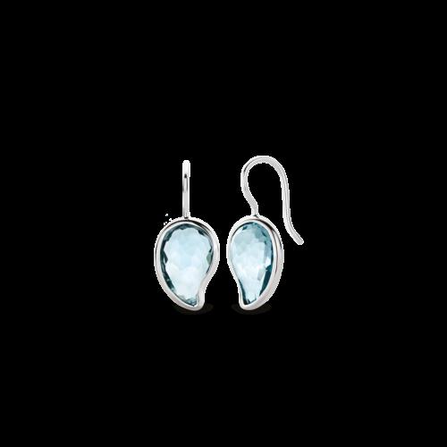 Orecchini Ti Sento 7793WB. Questi orecchini in argento sterling rodiato con le loro pietre azzurre sfaccettate e il motivo cachemire, hanno uno stile chic e giocoso. Un pezzo di cielo incastonato nell'argento. Dimensioni gioiello: lunghezza 3 cm, larghezza 1,4 cm.