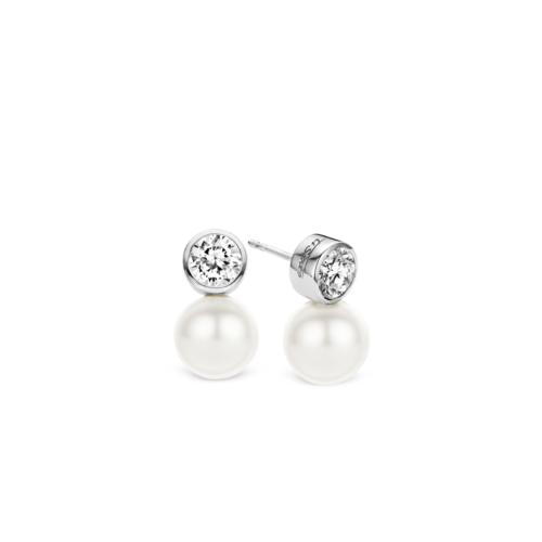 Orecchini Ti Sento 7561PW. Questi orecchini in argento sterling rodiato hanno un design moderno con la combinazione tra perla e zircone bianco. Diametro: 10 mm.