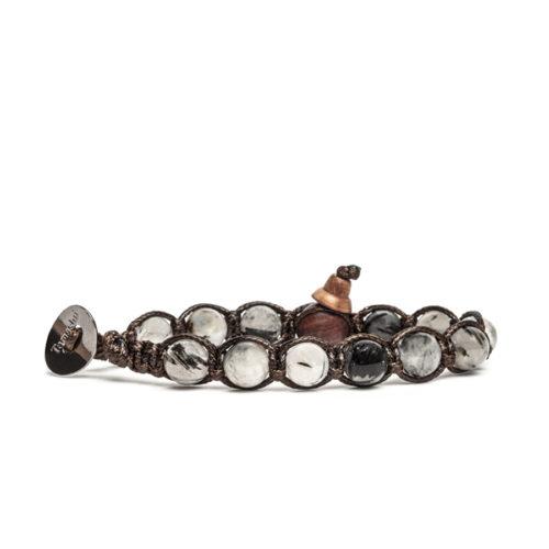 Bracciale unisex Tamashii Classic BHS900-185. Bracciale realizzato con un cordino di cotone, calabash in legno, sfere di tormalina nera del diametro di 8 mm e bottone metallico di chiusura. Lunghezza regolabile da 16 cm a 23 cm.