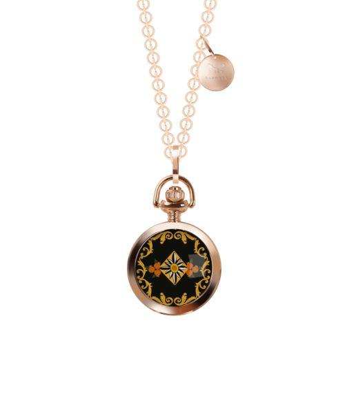 Collana Barbosa 53RSBA-CLR001. Collana rolò lunga 90 cm abbinata ad un orologio pocket 30 mm con motivo siciliano. La cassa rosè è in lega metallica nickel free e il movimento è al quarzo 2 sfere.