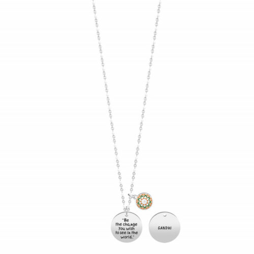 "Collana Kidult donna 751200 realizzata in acciaio inossidabile con ciondolo tondo e citazione incisa: ""Be the change you wish to see in the world"""