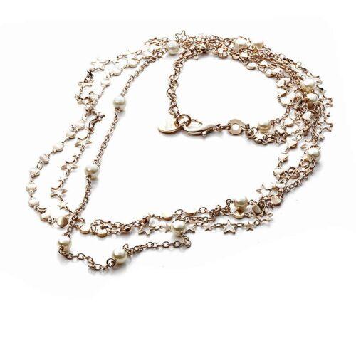 Collana donna 4US Cesare Paciotti 4UCL2959W della collezione Silent Night. Collana in ottone con catena a tre fili con perle bianche ed elementi a forma di stella. Lunghezza: 60 cm; regolabile.