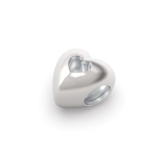 Beads Donna Rerum 26003. Elemento decorativo a forma di cuore in argento 925 con piccolo cuore traforato in superficie.