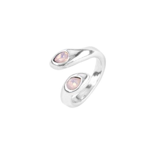Anello Donna Uno de 50 ANI0641RSAMTL15 della collezione Mrs Aruna. Anello in metallo bagnato nell'argento con cristalli rosa SWAROVSKI® ELEMENTS. Gioiello 100% realizzato a mano da UNOde50, Spagna.
