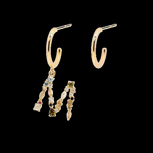 Orecchini Donna PDPAOLA AR01-263-U. Orecchini in argento sterling 925 con placcatura in oro 18k di cui uno con lettera M impreziosito da pietre: Labradorite, Acquamarina e zirconi colorati. Diametro del cerchio: 1,2 cm.